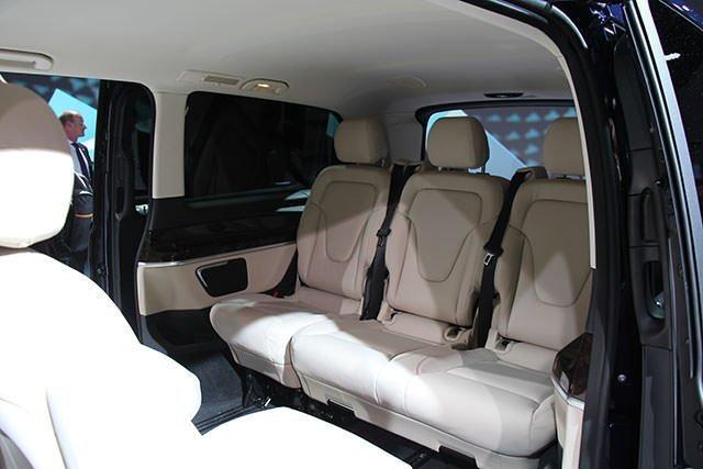 Van Mercedes classe V della flotta NCC Style